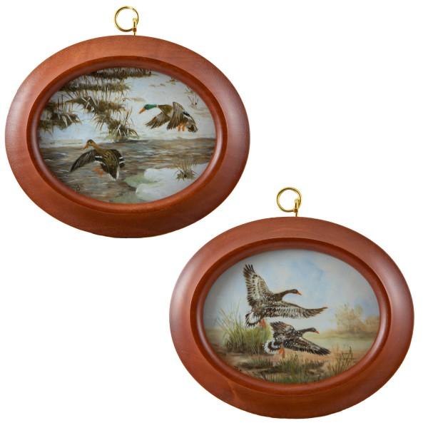 2 Miniatur-Rahmen mit Malereien Bildgröße 7x9 cm Wildgänse, -enten im Flug