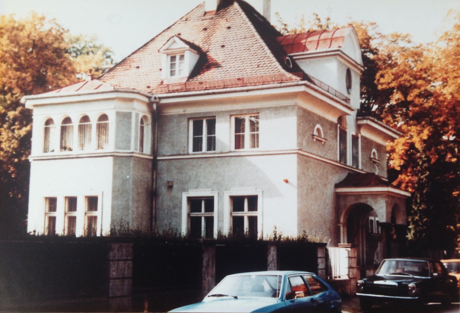 Menzelstrasse-M-unchen57b2d1e9e642f